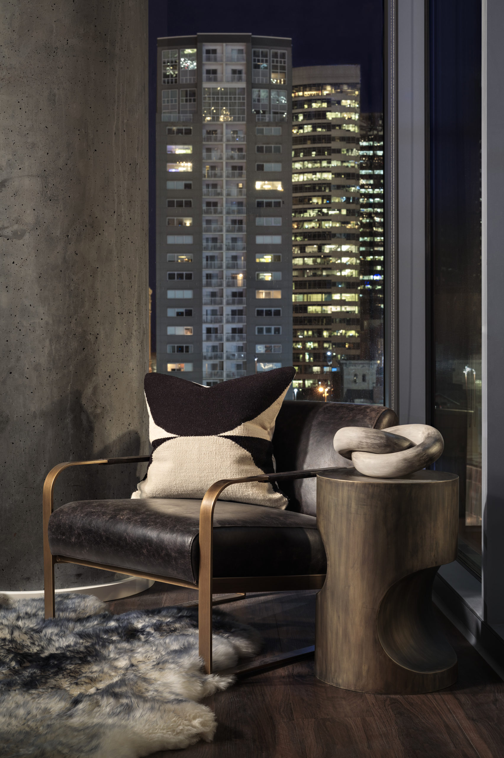 luxury nashville apartment night view with leather chair